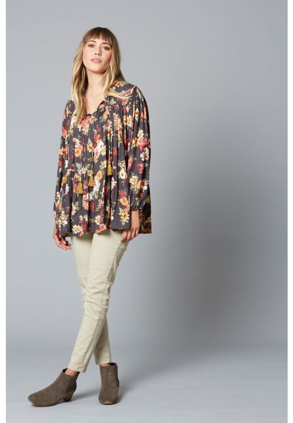 ISLE OF MINE Dawn Tassel Top ONE SIZE - Wildflower
